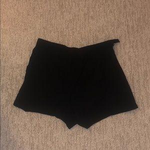Aritzia black skort
